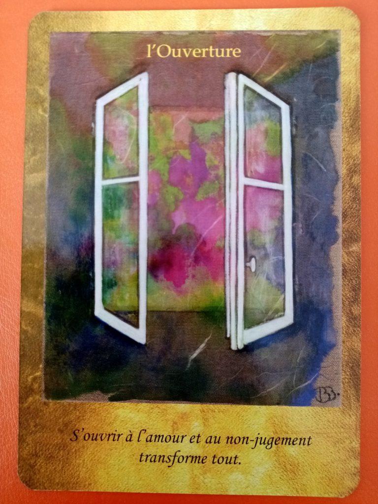 """Lecture de la carte oracle """"l'ouverture"""" issue du jeu de carte """"les portes de l'intuition"""" de Vanessa Mielczareck"""